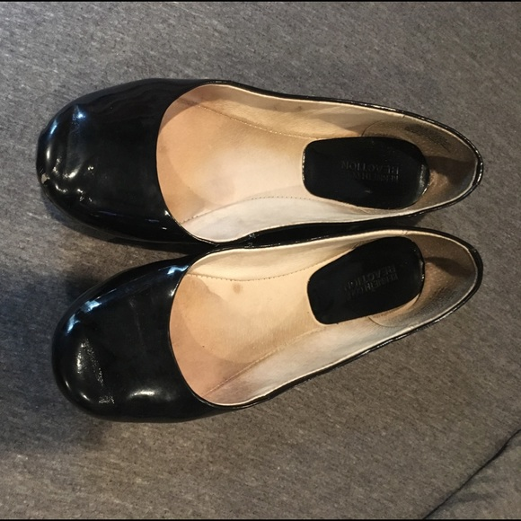 Kenneth Cole Reaction Shoes - Black Flats